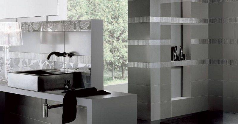 Moderne und edle Badeinrichtung