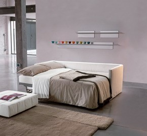 Design Schlafsofa mit Stoffbezug in Weiß