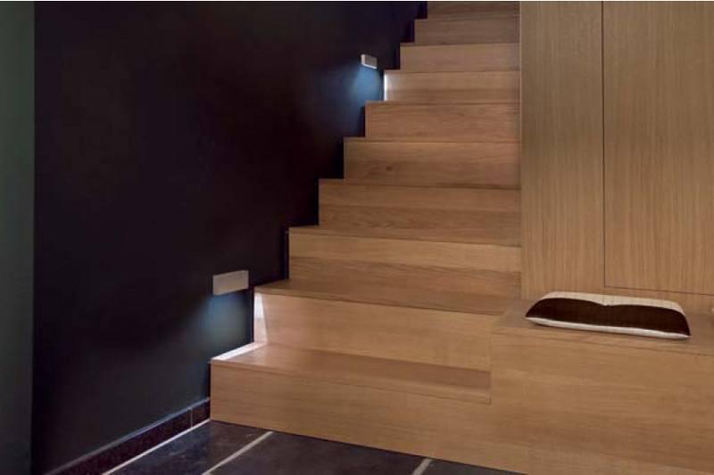Innenraumbeleuchtung im Treppenbereich