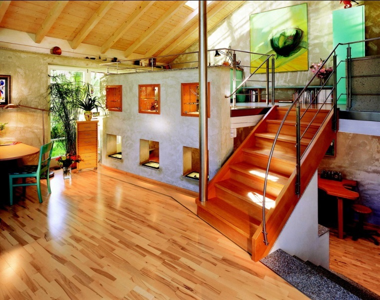 Kreative Wandgestaltung – ein Raumteiler in Betonoptik