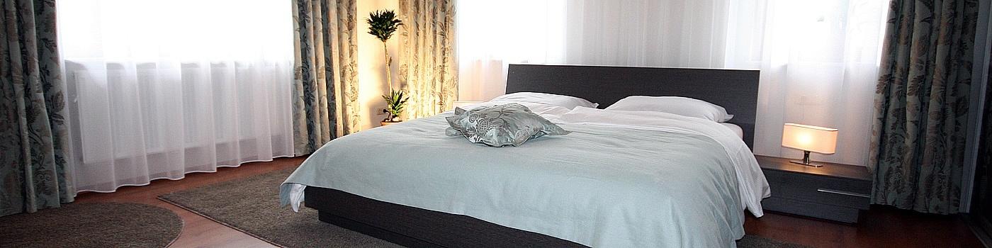 schlafzimmer einrichten mit schiebet ren raumax. Black Bedroom Furniture Sets. Home Design Ideas