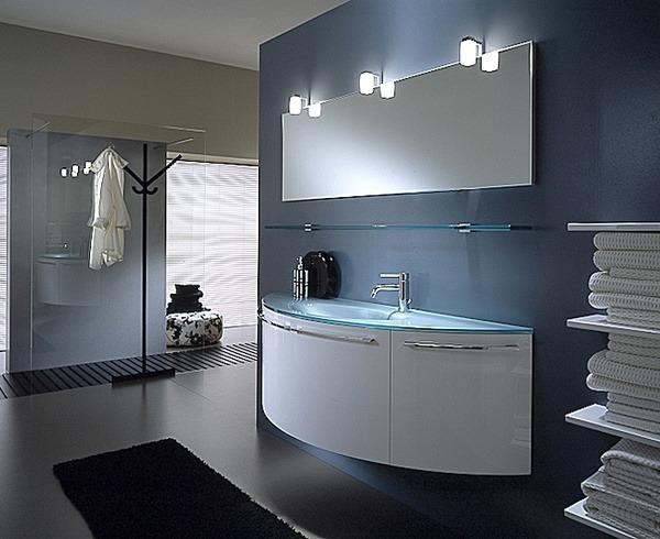 Ohne störende Ecken und Kanten fügt sich dieser geschwungene Waschtisch in das Bad ein.