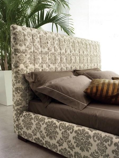 Italienische Designermöbel – stoffbezogenes Designerbett