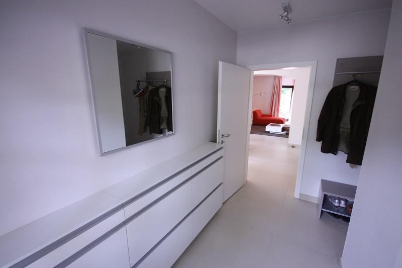 wohnzimmergestaltung mit k che und flur raumax. Black Bedroom Furniture Sets. Home Design Ideas