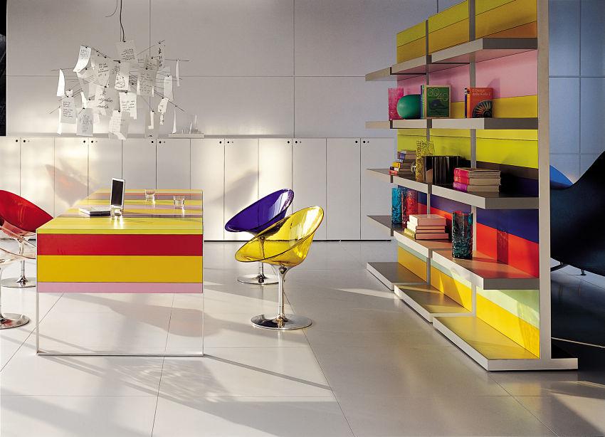 Büroeinrichtung - Moderne, farbenfrohe Büroeinrichtung. Hier sind der Kreativität keine Grenzen gesetzt.