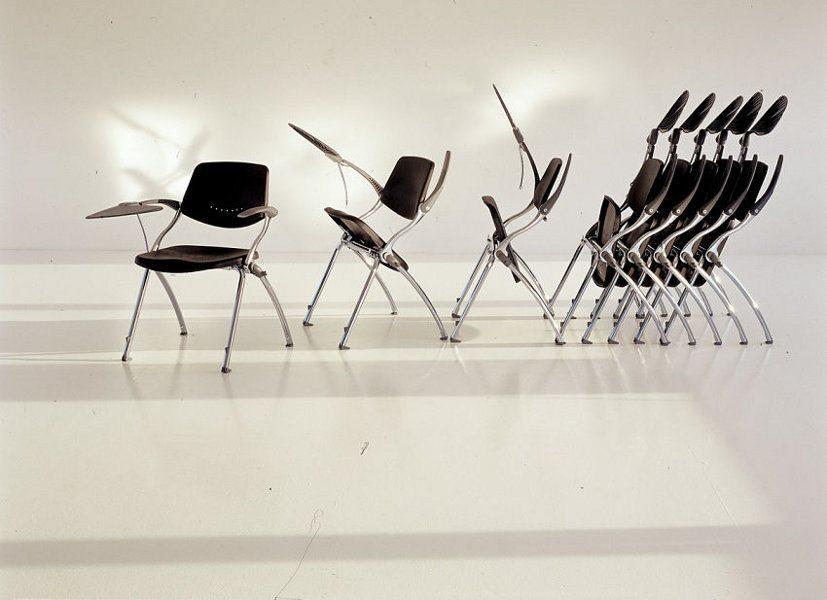 In vielen Fällen müssen zusätzliche Sitzmöbel stapelbar sein, da sie nur bei Bedarf eingesetzt werden.