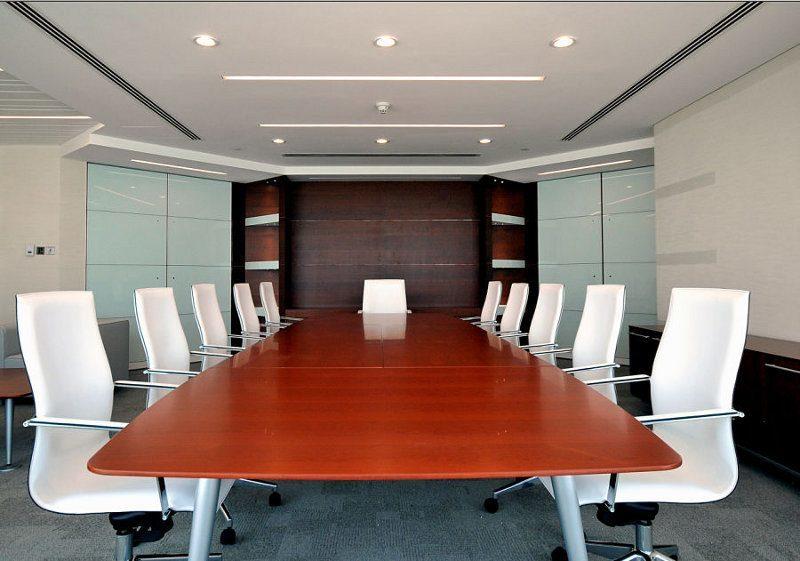 Diese Büroeinrichtung ist für größere Unternehmen praktikabel, hier können mehr als 10 Personen ungestört arbeiten.