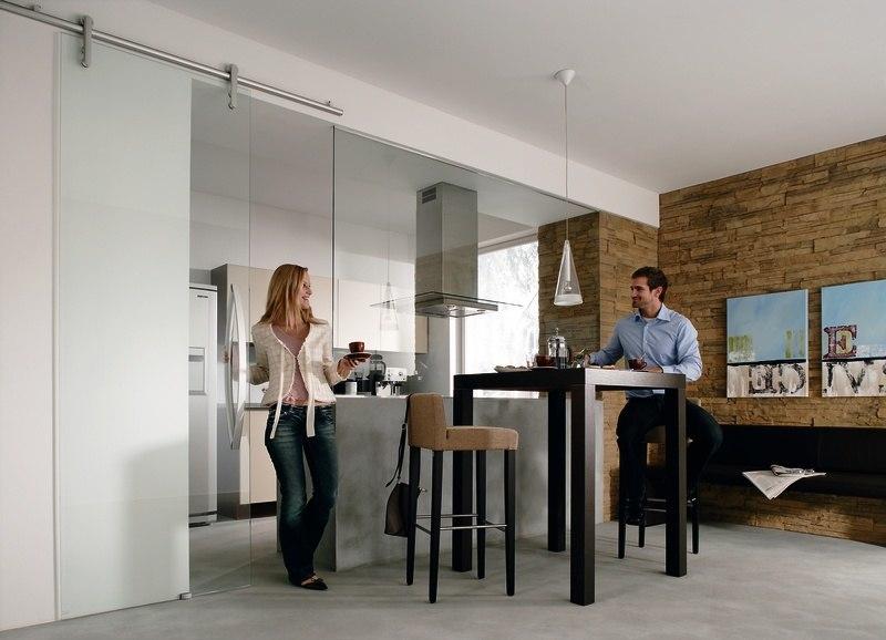 glast ren in der modernen wohnraumgestaltung raumax. Black Bedroom Furniture Sets. Home Design Ideas