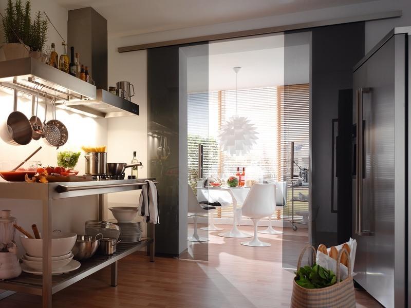 Glastür elegant und minimal für leichtes Auf und Zu