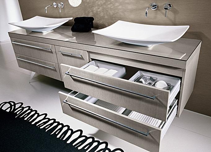 Inneneinrichter - Ein Designbadmöbel im klassischen Stil - Hier ein Schubladendetail
