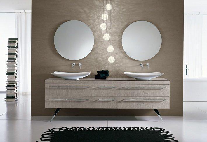Inneneinrichter: Designbadmöbel – Eine sehr gelungene Waschtischkombination aus Holz und Glas
