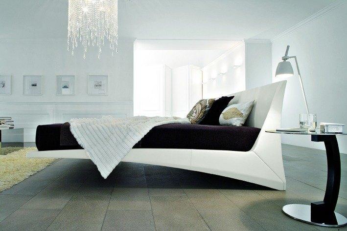 Italienische Betten – Mit Softleder bezogen, nahezu schwebend