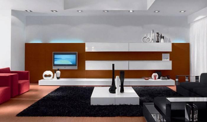 Wenn Sie warme Farben und minimalistisches Design mögen, dann wird Ihnen dieses moderne Wohnzimmer gefallen