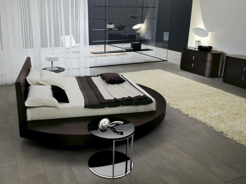 Ein Luxus-Schlafzimmer mit rundem Bett