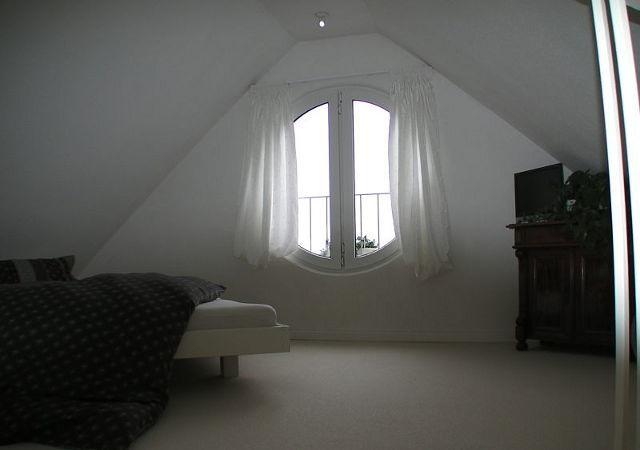 Die vorhandene Gestaltung des Spitzbodens war unseren Kunden vor dem Dachausbau zu ideenlos