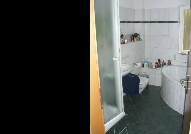 Das Bad vor dem Dachgeschossausbau brauchte eine Verjüngungskur