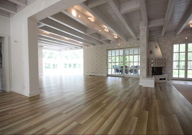 Hausrenovierung - Auch aus dieser Perspektive ist zu erkennen, dass der Wohnraum jetzt viel großzügiger und freundlicher wirkt.