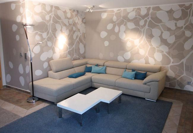 Eine Attraktive Motivtapete, Individuell Angefertigt, Schmückt Jetzt Das  Neue Moderne Wohnzimmer.