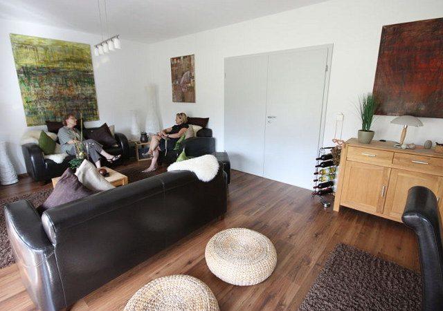 ... Die Ursprüngliche Wohnzimmergestaltung War Unmodern Bevor Wir Ein Wohnzimmer  Gestalten ...