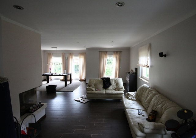 Wohnzimmer gestalten - Das Wohnzimmer welches es zu gestalten galt, war zwar groß, wirkte aber völlig ungemütlich