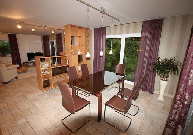 Wohnzimmergestaltung mit einbaum beln raumax for Wohnzimmergestaltung ideen