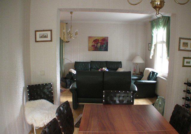 Mit diesen alten Möbeln kam im Wohnzimmer irgendwie keine schöne Atmosphäre mehr auf