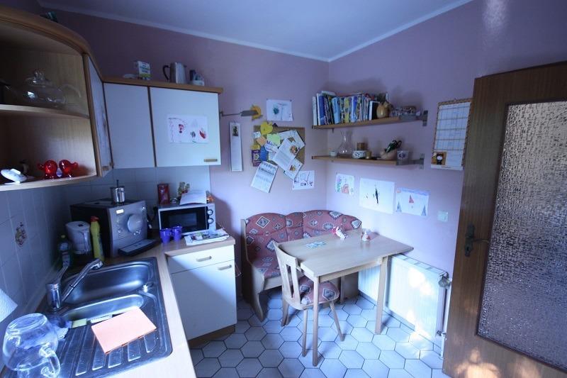 Wohnzimmergestaltung mit Küche und Flur | RAUMAX