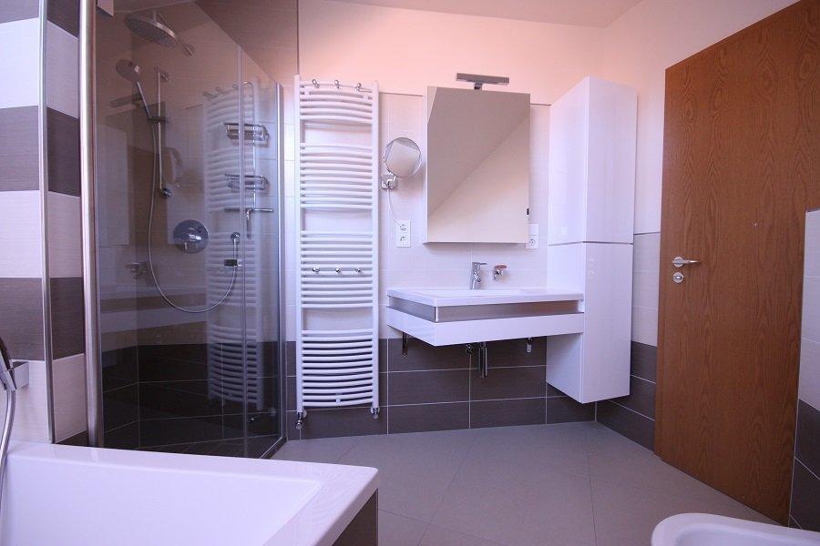 Unsere Kunden mussten sich um nichts kümmern. Blitzblank geputzt bekommen Sie ihr neues Bad von uns übergeben. Diesen Luxus genießen unsere Kunden in vollen Zügen.