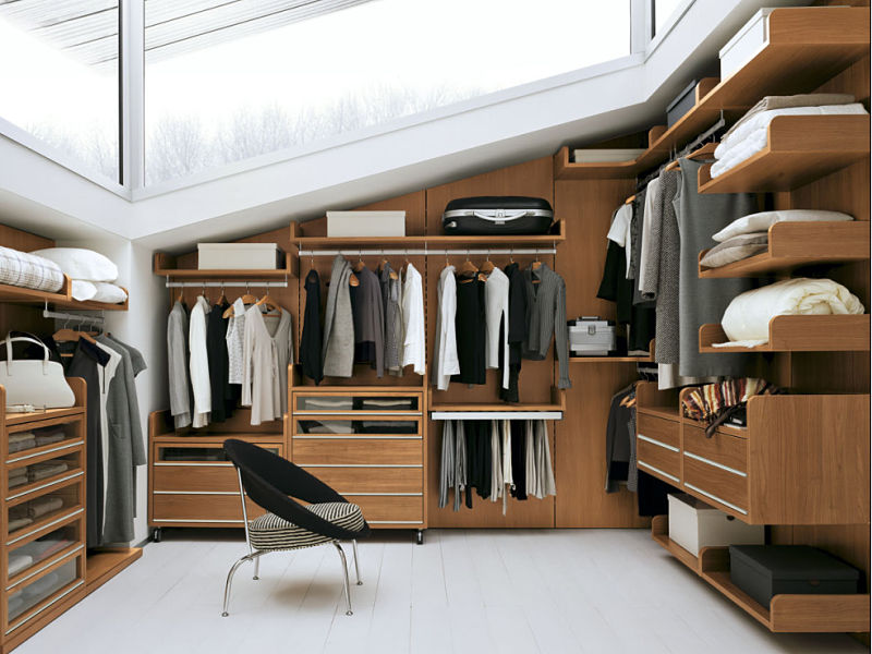 Dachgeschossausbau - Ein Ankleidezimmer im Dachgeschoss bietet individuelle Gestaltungsvarianten