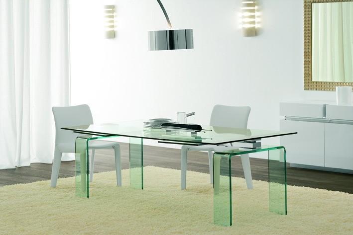 Wohnzimmer-Design - Hochwertige Glastische sind aus den Wohnzimmern kaum mehr wegzudenken.