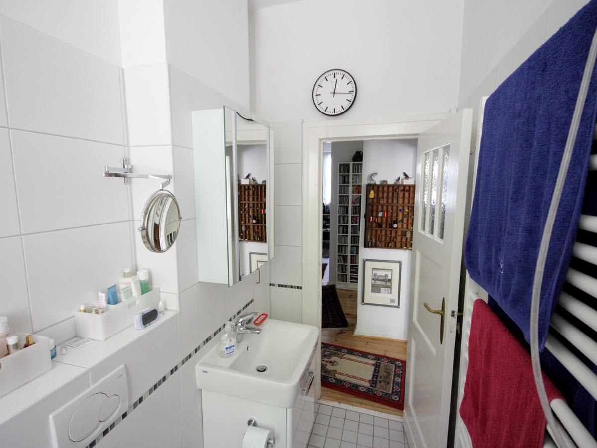 wohnidee eine rollstuhlgerechte badsanierung raumax. Black Bedroom Furniture Sets. Home Design Ideas